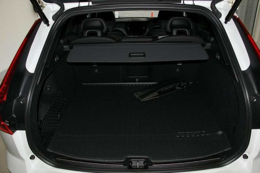 2018 Volvo XC60 UZ D5 R-Design Suv Mobile Image 15