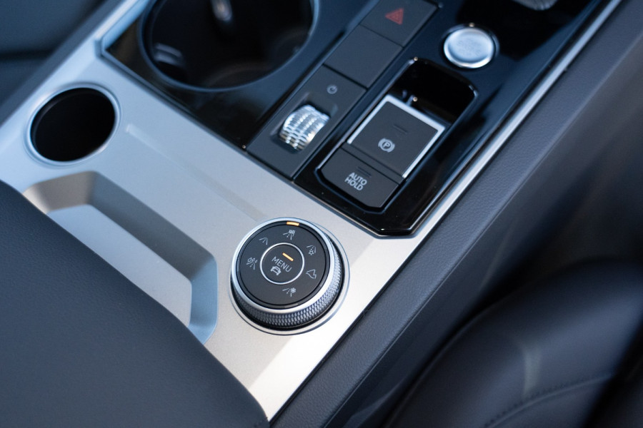 2021 Volkswagen Touareg CR 170TDI Suv Image 19