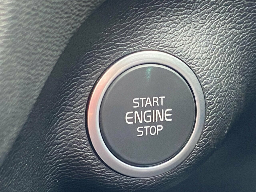 2019 MY20 Volvo XC40 536 MY20 T4 Momentum (FWD) Suv Image 17