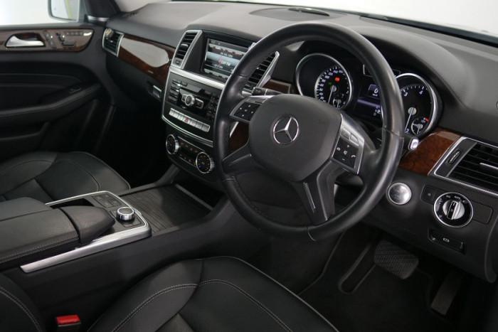 2013 Mercedes-Benz M-class W166 ML350 BlueTEC Wagon Image 15