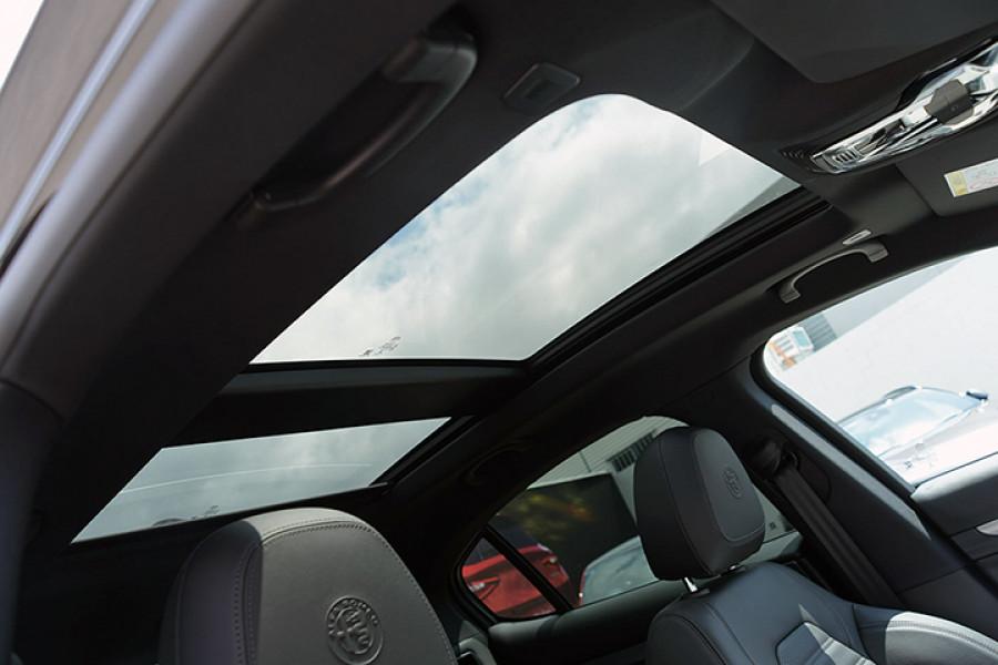 2018 Alfa Romeo Stelvio Stelvio Suv Mobile Image 11
