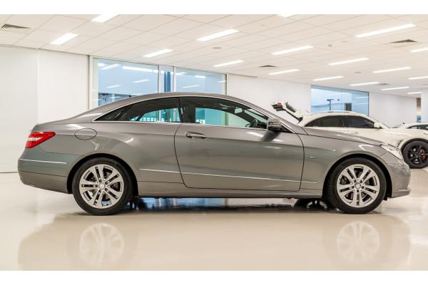 2010 Mercedes-Benz E-class C207 E250 CDI B Elegance Coupe Image 3