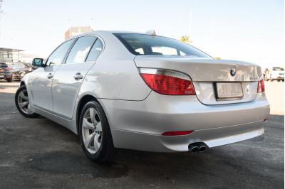 2005 BMW 5 Series E60 525i Sedan Image 4