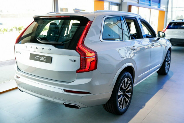 2020 MY21 Volvo XC90 L Series MY21 T6 Geartronic AWD Momentum Suv Image 5