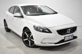 Volvo V40 T4 Kinetic (No Series) MY15