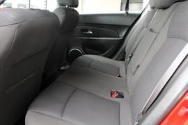 2014 Holden Cruze Vehicle Description. JH  II MY14 EQUIPE HBK 5DR SA 6SP 1.8I Equipe Hatchback Image 5