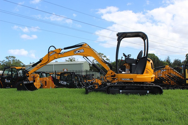 2021 JCB 8035 ZTS Mini Excavator (No Series) 8035 ZTS Mini Excavator Image 2