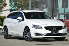 Volvo V60 T5 A LUX 14MY
