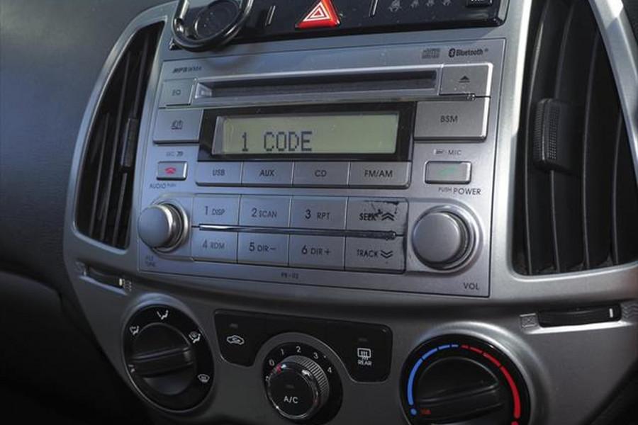 2014 Hyundai I20 PB MY15 Active Hatchback Image 14