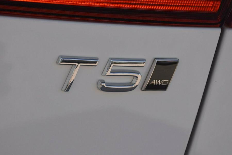 2019 Volvo XC60 UZ T5 Momentum Suv Mobile Image 19