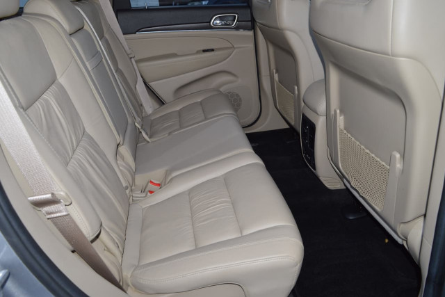 2013 Jeep Grand Cherokee Limited 19 of 27