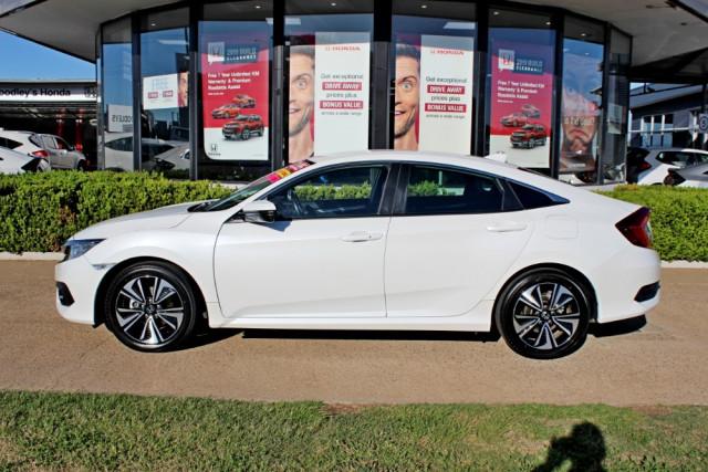 2017 MY16 Honda Civic 10th Gen  VTi-L Sedan Image 5