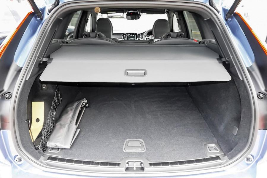 2019 MY20 Volvo XC60 UZ D5 R-Design Suv Mobile Image 17