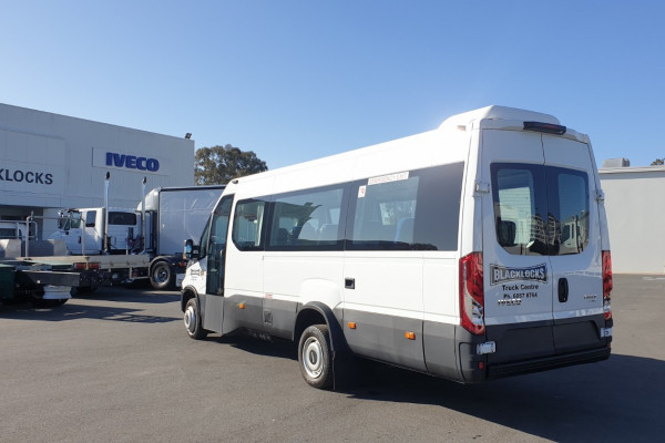 2018 Iveco Daily Bus Shuttle 16 Bus Image 4