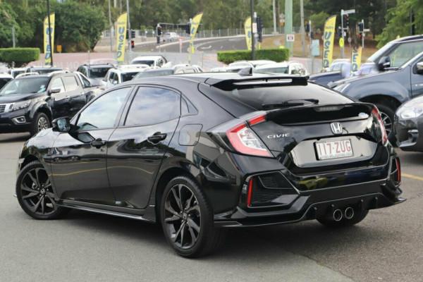 2020 Honda Civic Hatchback Image 2