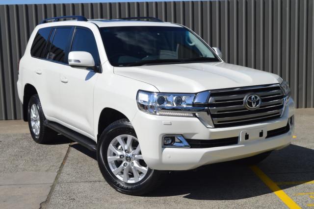 2016 Toyota Landcruiser VX 1 of 25