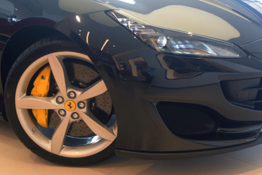 2018 Ferrari Portofino Convertible Mobile Image 9