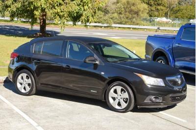 2013 Holden Cruze JH Series II MY14 Equipe Hatchback Image 5