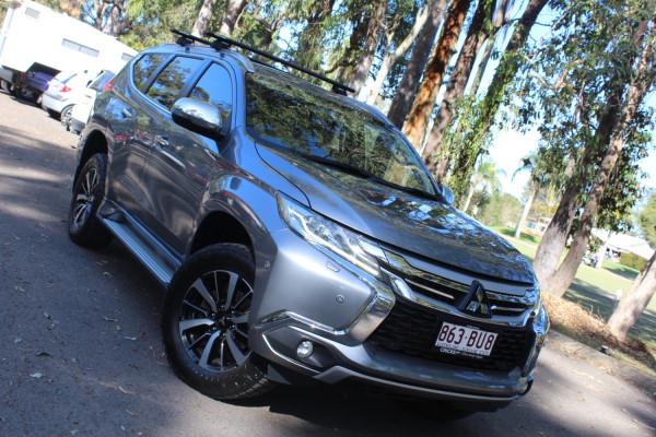 Mitsubishi Pajero Exceed QE