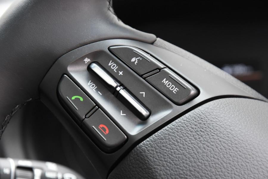 2019 Hyundai i30 PD2 Premium Hatchback Image 11