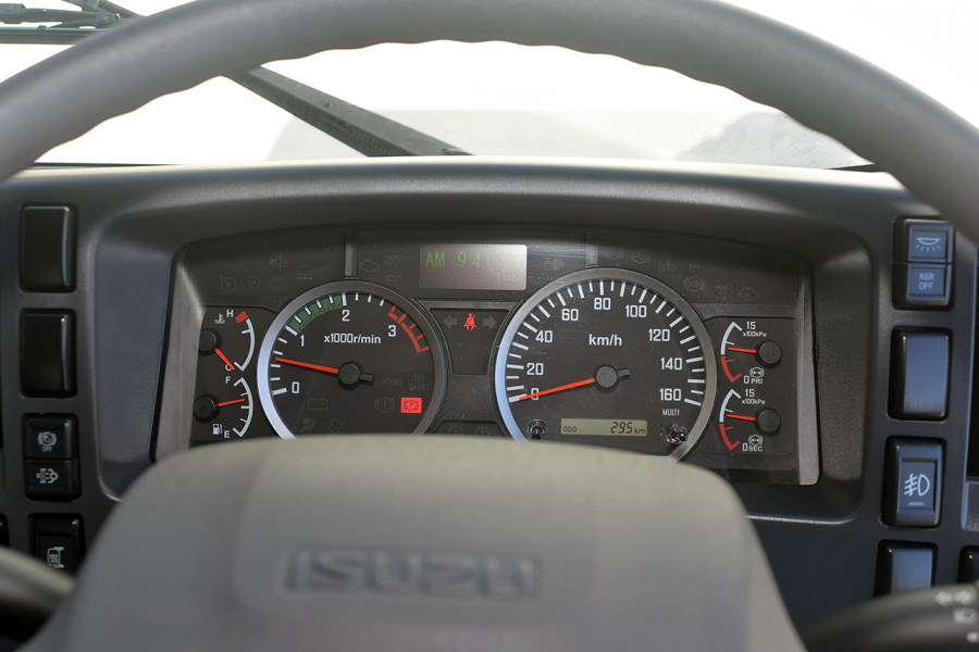 2019 Isuzu F Series FRR 110-260 XLWB 7.8L T/D 6Spd Manual Cab chassis Mobile Image 11