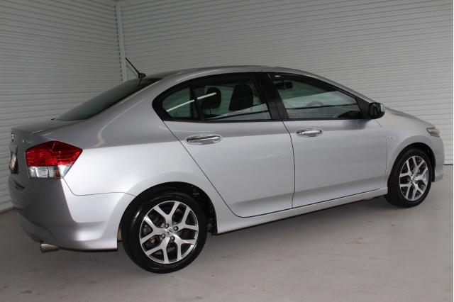 2010 MY09 Honda City GM MY09 VTI-L Sedan Image 2