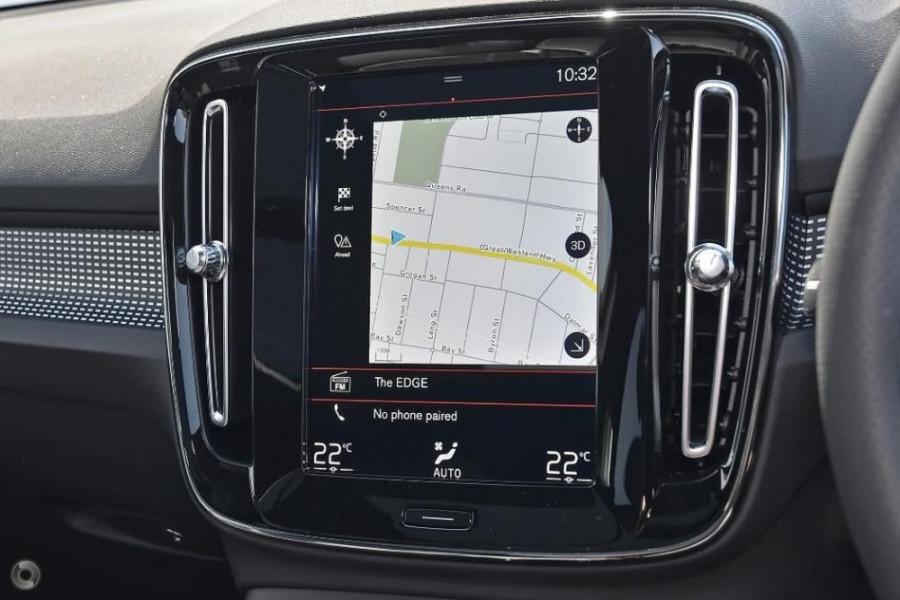 2020 Volvo XC40 XZ T5 R-Design Suv Image 6