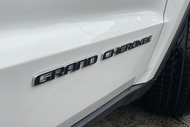 2018 Jeep Grand Cherokee Limited 3 of 20