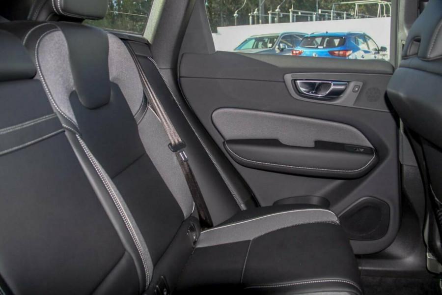2019 MY20 Volvo XC60 UZ D5 R-Design Suv Image 10