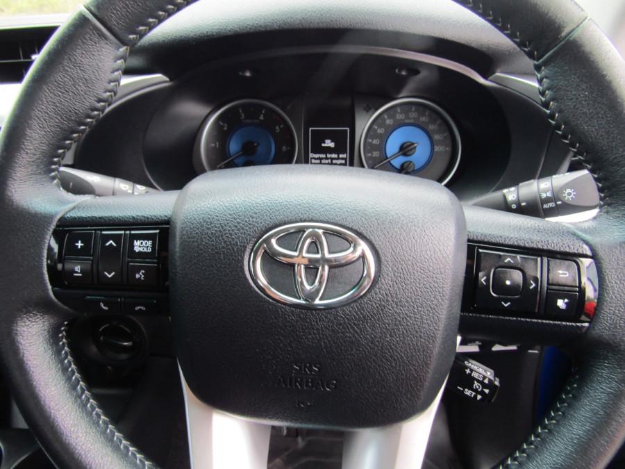 2017 Toyota HiLux GUN126R SR5 Utility Image 10