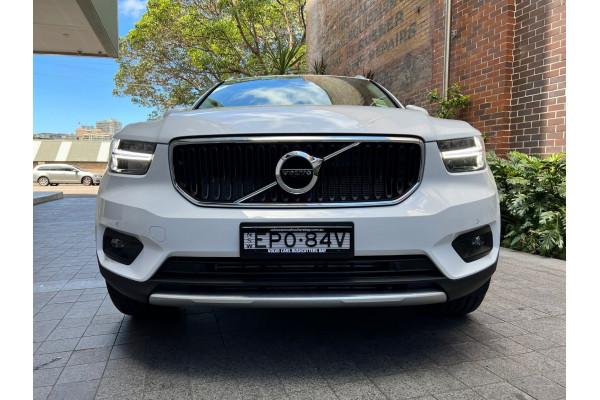 2022 Volvo XC40 T4 Momentum Suv Image 5