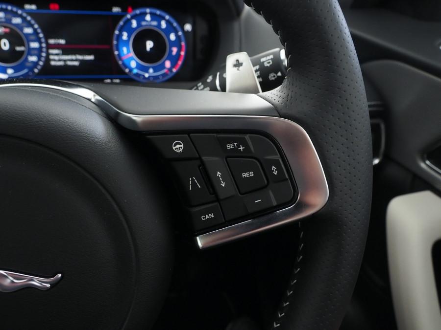 2020 Jaguar F-pace Suv Image 21