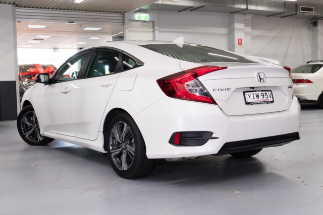 2019 Honda Civic Sedan 10th Gen VTi-LX Sedan Image 2