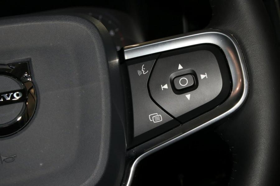 2020 Volvo Xc40 (No Series) MY20 T4 Momentum Suv Image 13