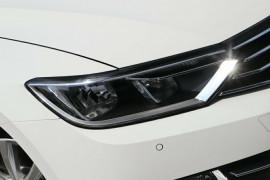 2019 Volkswagen Passat B8 132TSI Comfortline Sedan Image 2