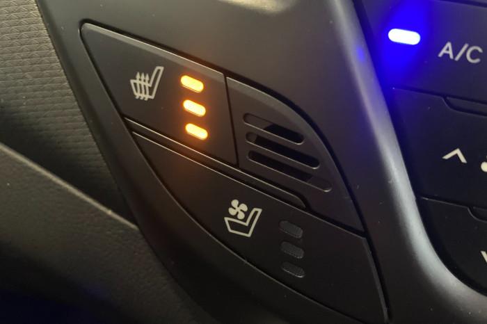 2015 Hyundai Veloster FS4 Series II SR Hatchback Image 22