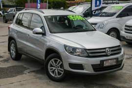 Volkswagen Tiguan 103TDI DSG 4MOTION 5N MY12.5