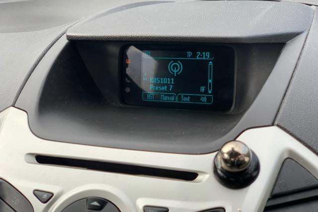 2015 Ford EcoSport Titanium 22 of 24