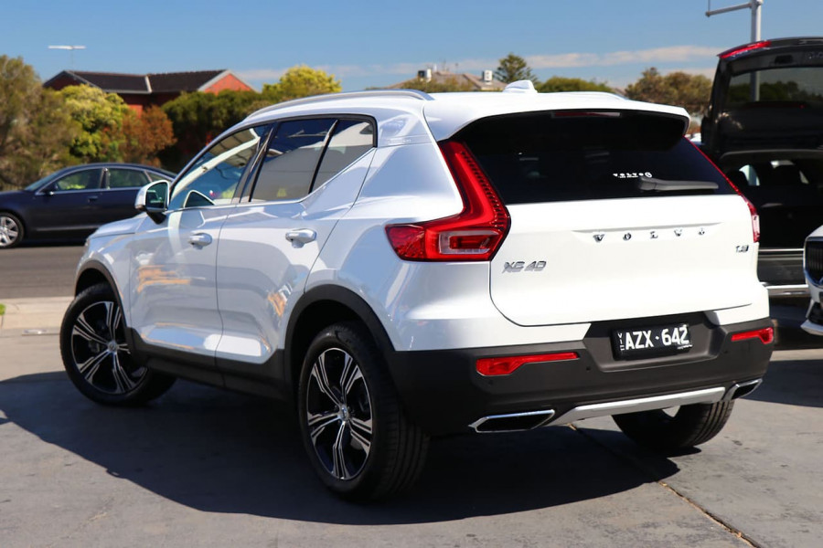 2020 Volvo XC40 XZ T4 Inscription Suv Mobile Image 3