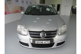 2010 Volkswagen Jetta 1KM MY10 103TDI Sedan Image 3