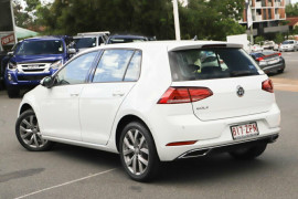 2020 Volkswagen Golf 7.5 110TSI Highline Hatchback Image 2