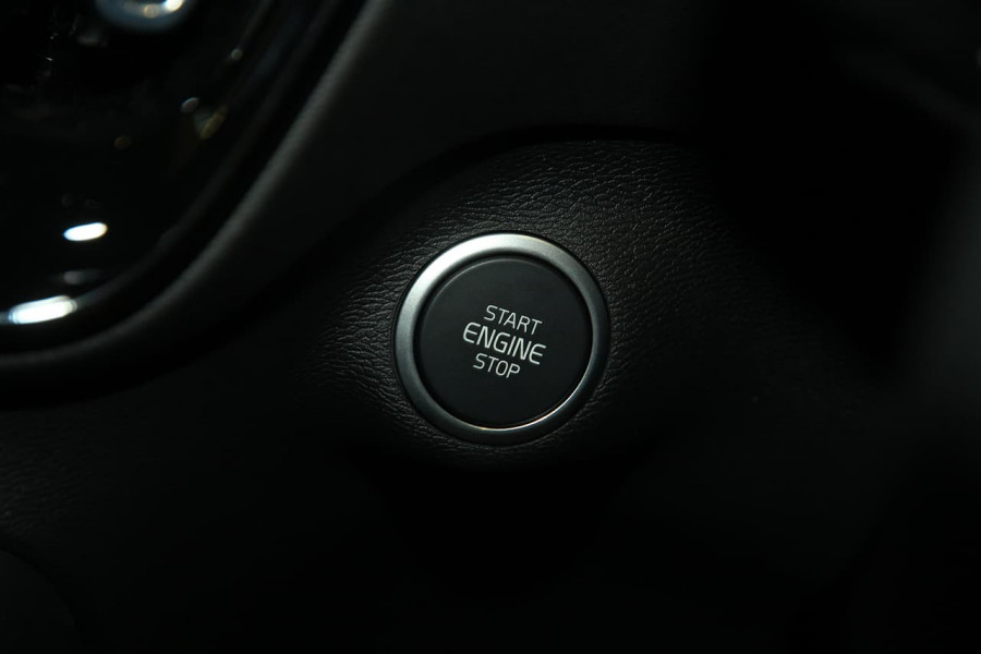 2020 Volvo XC40 XZ T4 Momentum Suv Image 17
