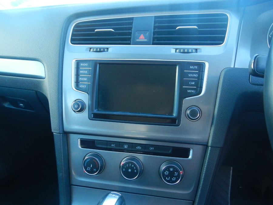 2016 Volkswagen Golf 7 92TSI Wagon Image 7