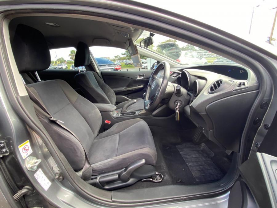 2013 Honda Civic 9th Gen  VTi-S Hatchback Image 10