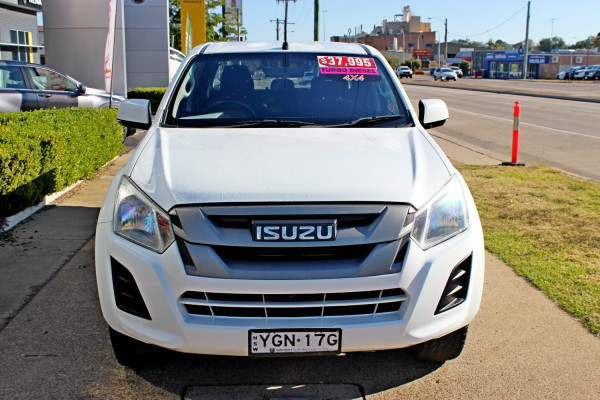 2016 MY17 Isuzu Ute D-MAX SX Cab chassis - dual cab