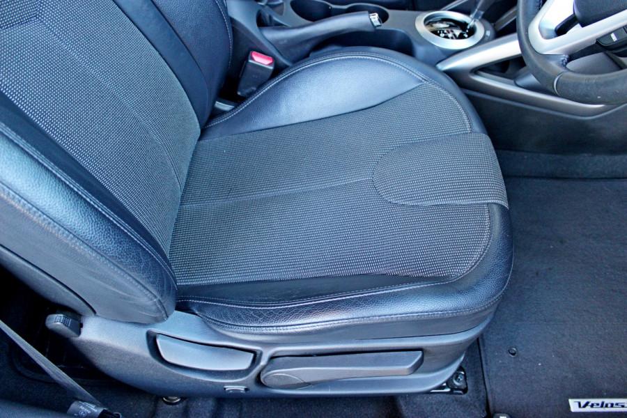 2012 Hyundai Veloster FS Hatchback Image 11