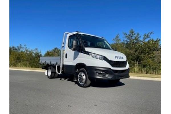 2021 Iveco 45c18ha8 45C18HA8 3m WHEELBASE Truck Image 2