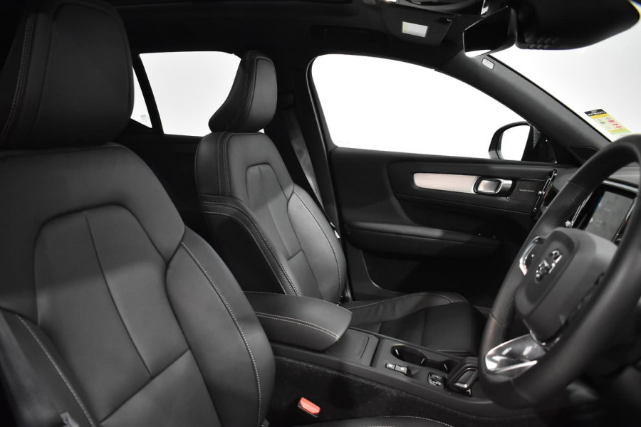 2019 Volvo Xc40 (No Series) MY19 T4 Momentum Suv Mobile Image 10
