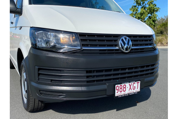 2017 Volkswagen Transporter T6  TDI250 Runner Van Image 2