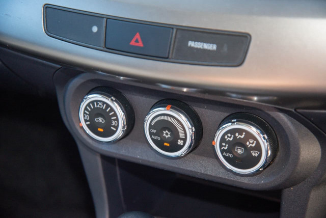 2014 Mitsubishi Lancer CJ MY15 LS Sedan Image 11
